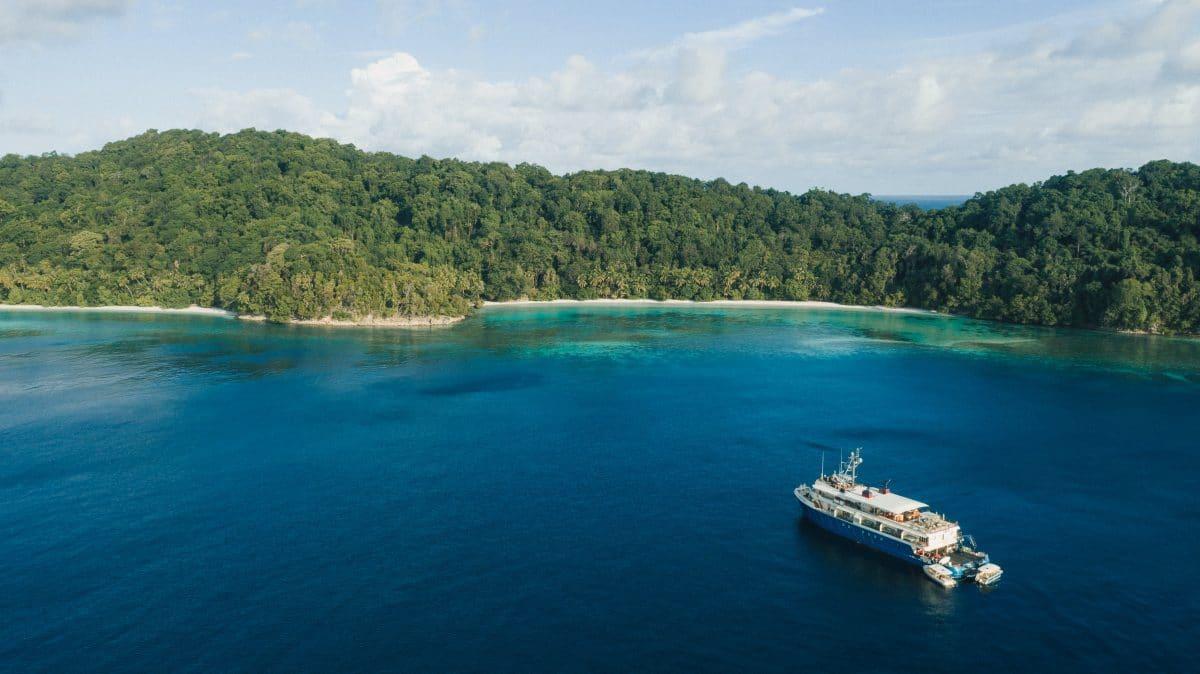 Kudanil Explorer in Triton Bay in Papua