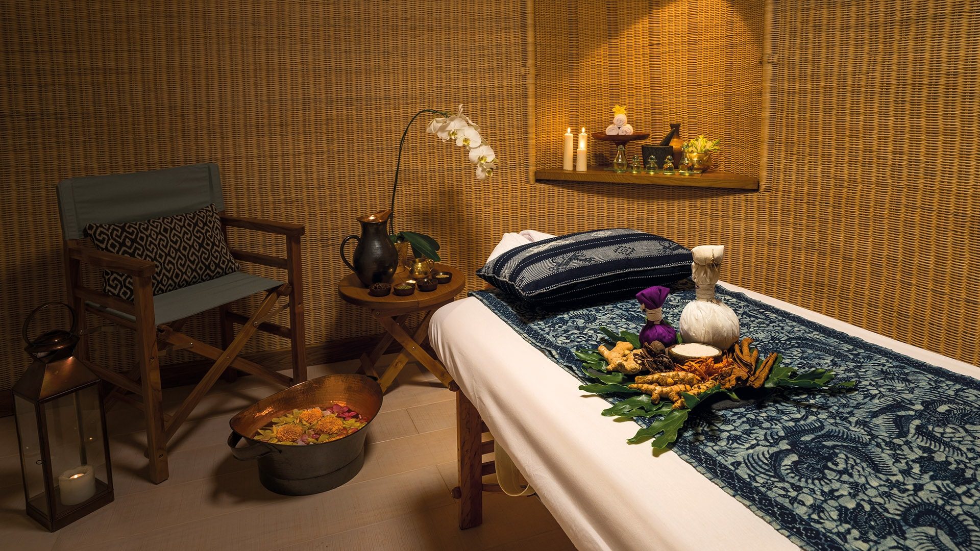 Kudanil Explorer's relaxing Java spa room with foot bath and fresh aromatic herbs